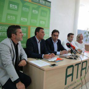 """Carlos Hernández: """"La Ley de Emprendimiento entrará en el Parlamento de Andalucía a mediados de julio y después del verano habrá que alimentarla para que sea útil para los andaluces"""""""